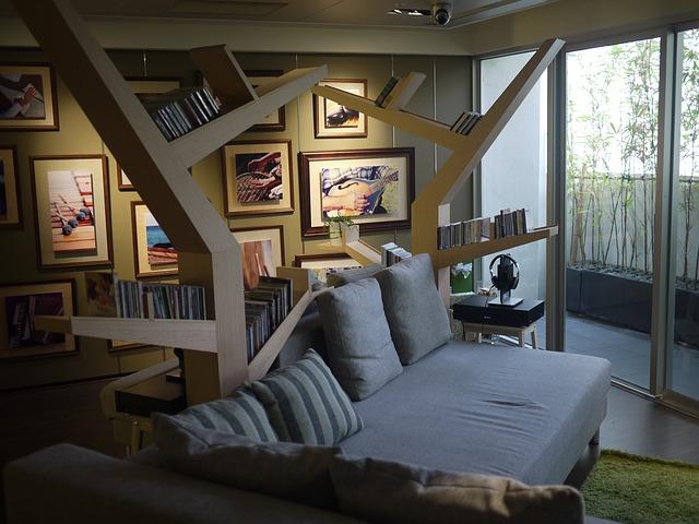 moderní obývák, knihovna