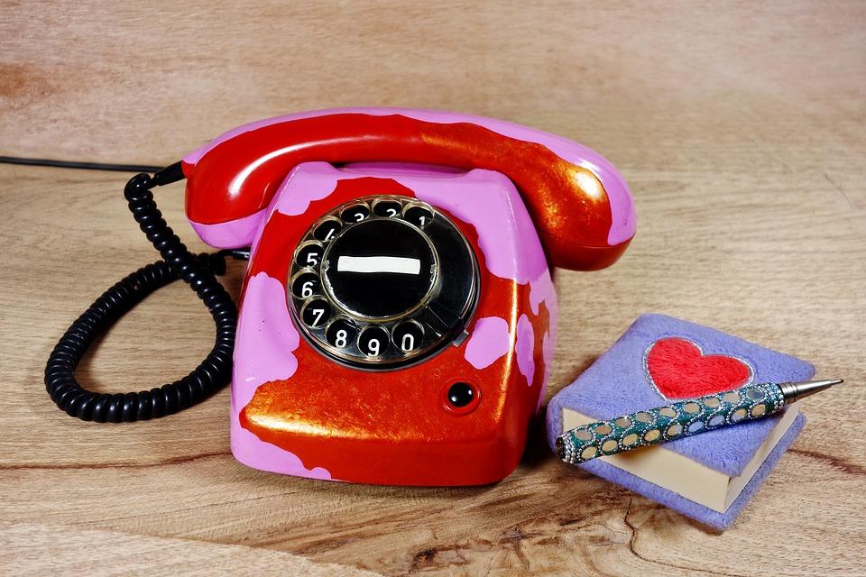 telefon se zápisníkem